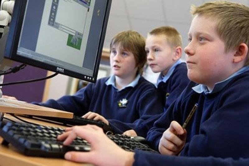 英國孩童的將接受新的程式課程訓練。 (取自網路)