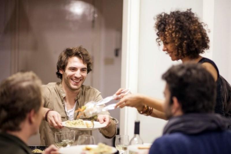 結合了社交元素與當地好客的廚藝大師,新創公司 EatWith 期望打造全新的飲食體驗 (圖:網路)
