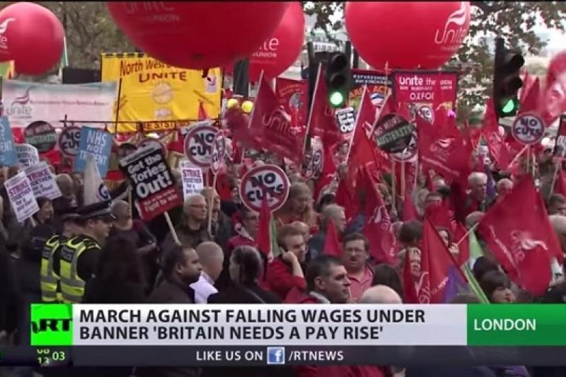 數萬名英國人民上街抗議政府緊縮政策,要求調薪(YouTube)