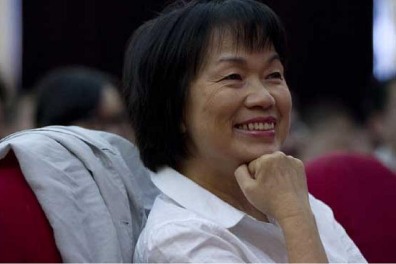 龍應台2010年應邀在上海舉行文化講座。(騰訊大家網/CFP供圖)