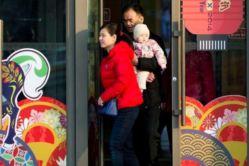 中國互聯網搶進金融業,傳統銀行大受衝擊。(美聯社)