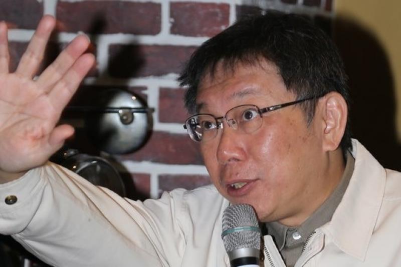 台大醫師柯文哲8日與台北市議員參選人沈志霖對談,表達台北市政看法,對花博提出抨擊。(余志偉攝)