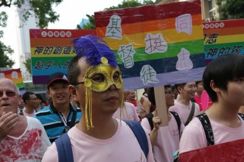 台大醫師柯文哲表達對同性婚姻的個人立場,意外引發性別團體的關注和批判。圖為2012年10月的挺同志大遊行。(吳逸驊攝)