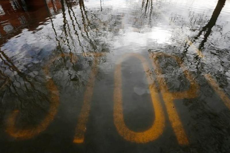 英國水災是全球極端氣候的實證之一(美聯社)