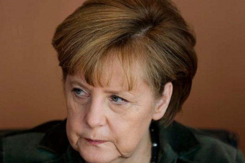 德國總理梅克爾將與法國總統奧朗德共商反制美國監聽之道。(美聯社)