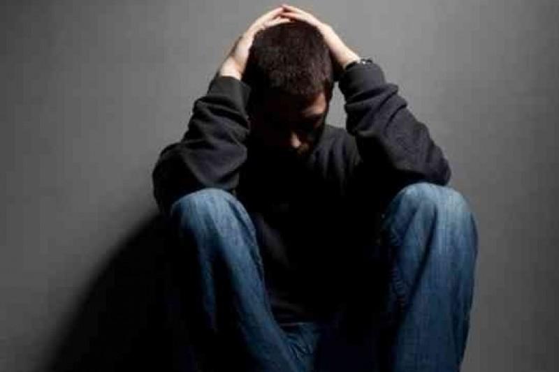 英國劍橋大學研發預測憂鬱症風險的方法,初步顯示適用於青少年男性。(取自網路)