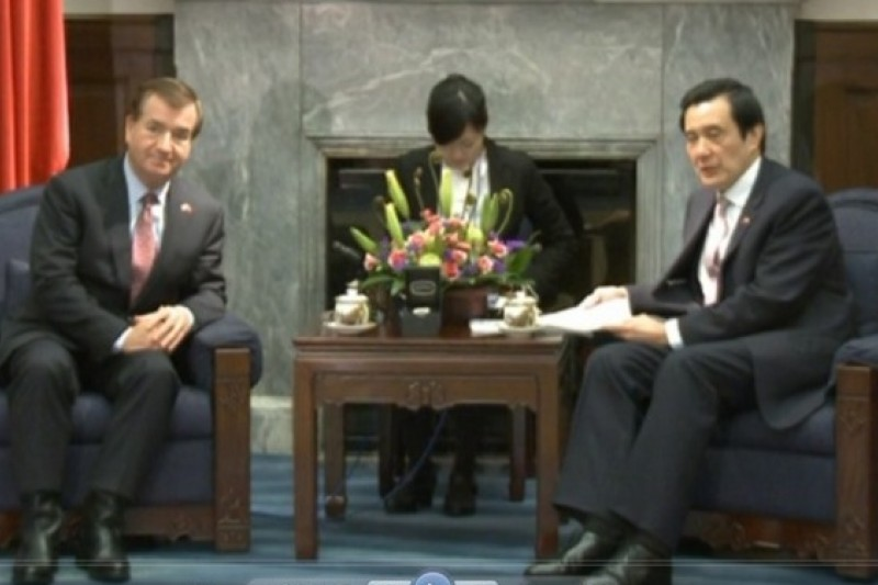 美國眾院外交委員會主席羅伊思20日拜訪總統馬英九。(總統府提供)