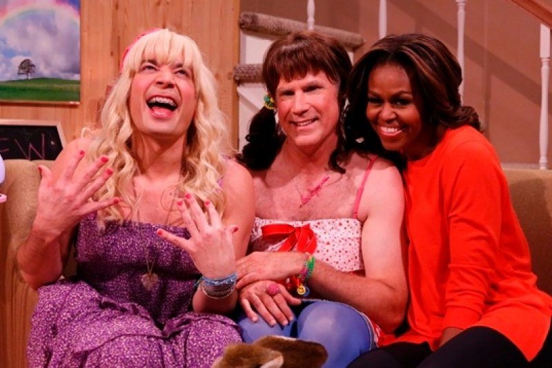 美國第一夫人蜜雪兒於20日晚間參加夜間脫口秀節目「今夜秀」(美聯社)