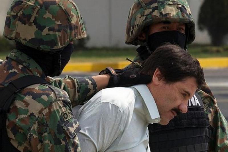 墨西哥最大毒梟「矮子」古茲曼22日被捕,結束13年逃亡生涯(美聯社)