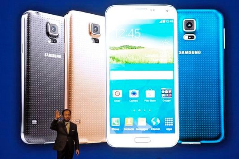 三星行動事業部總裁申宗均在Galaxy S5產品發表會親自上陣(美聯社)
