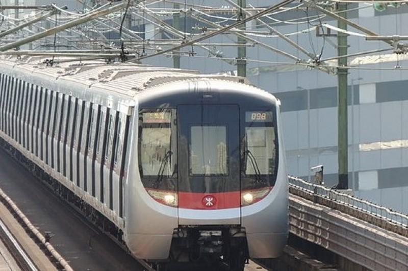 港鐵東鐵線,由中國北車製造的電動列車。(取自維基百科)