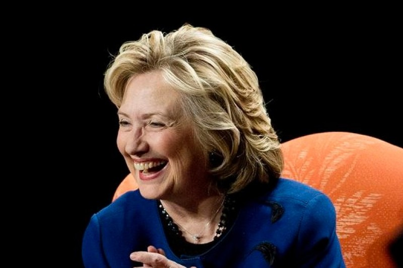 美國前國務卿希拉蕊目前民調高,共和黨無人敢攖其鋒。(美聯社)