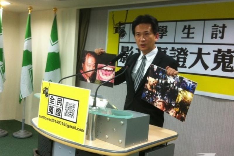 追323警察驅離暴力,民進黨發言人林俊憲26日表示一天內就收到114件影像檢舉資料。(顏振凱攝)
