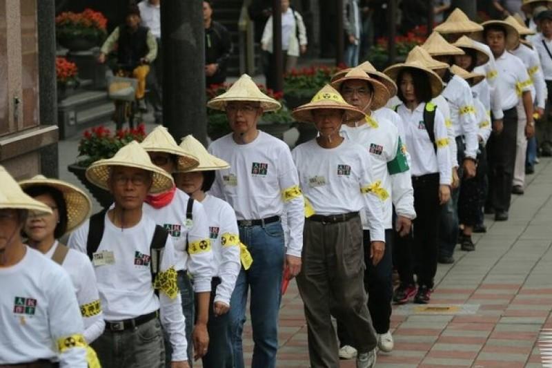 為聲援民進黨前主席林義雄,「人民作主 停建核四」行腳活動也於23日展開。(余志偉攝)
