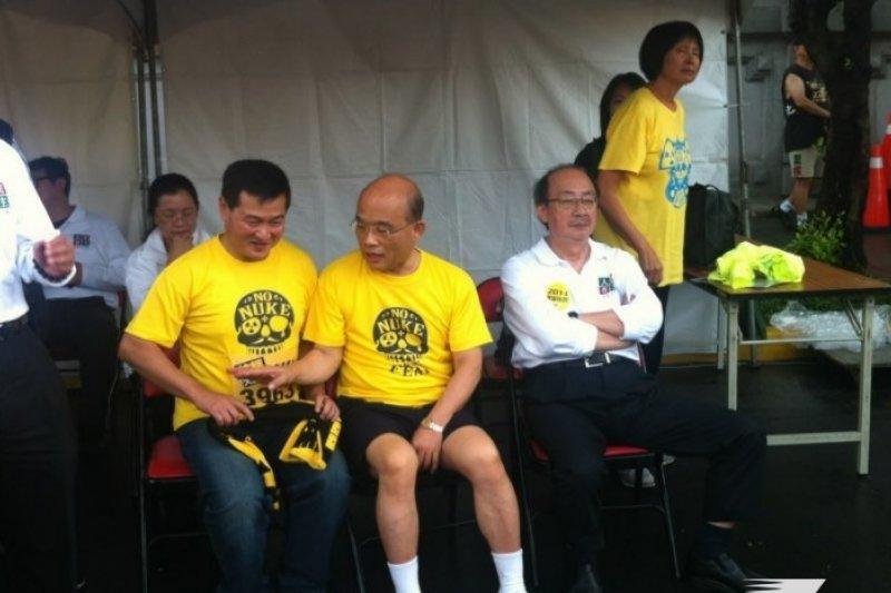 民進黨主席蘇貞昌參加反核路跑時表示對馬蘇會失望,但是,為了救林義雄,「要我去求他,我都願意。」(張文馨攝)