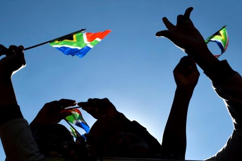 南非紀念自由日,20年走來悲喜參半,五味雜陳。(美聯社)