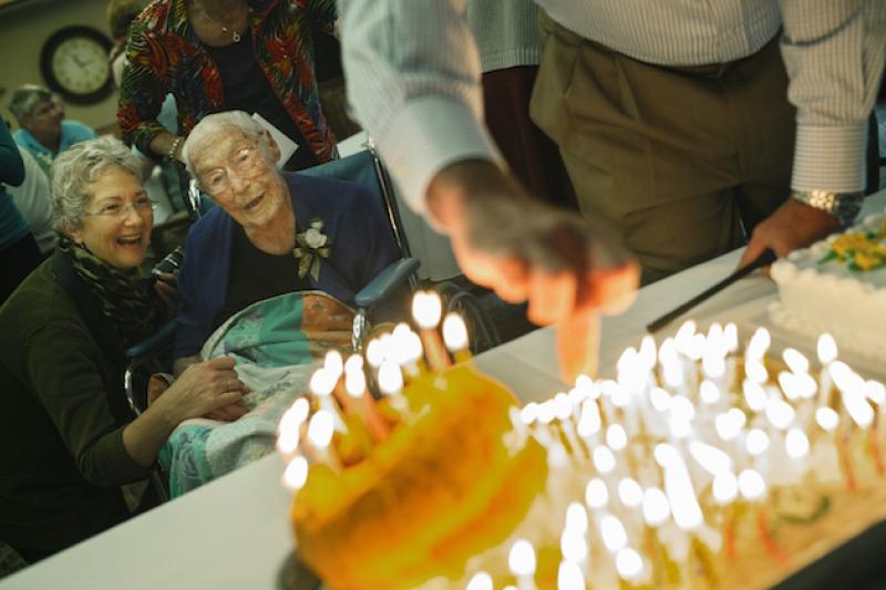 114歲的老奶奶,不希望加入臉書得謊報年齡。(美聯社)