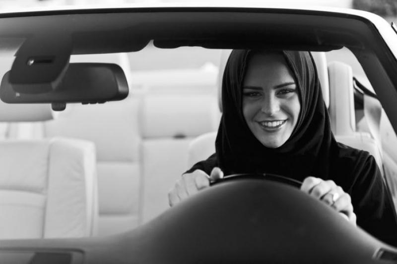沙烏地阿拉伯限制女性開車的禁令能維持多久?(取自Loujain Al Hathloul推特)