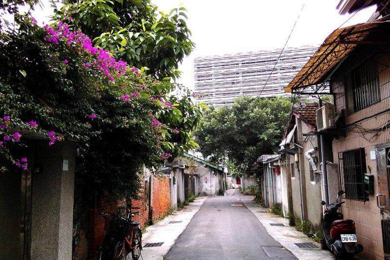 不少電視劇及藝人MV的取景勝地「嘉禾新村」,現面臨被拆除的危機。(取自好勁稻工作室臉書,徐秀美攝)