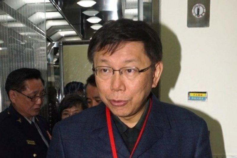 台北市長柯文哲7日赴台北市警局視察各項業務,並與警方高層召開約45分鐘的閉門會議。(蘇仲泓攝)
