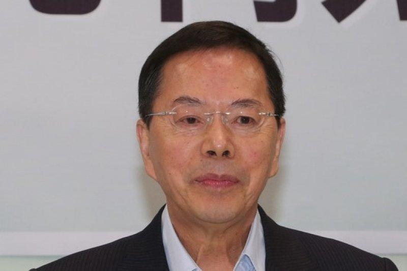 現任農委會主委陳保基認為將此次禽流感疫情歸咎為2003年H5N2的病毒沒有清乾淨,李金龍指這樣的說法沒有科學根據。(余志偉攝)