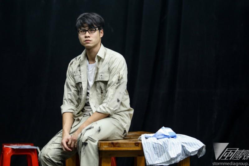 吳定謙在這次《人間條件3》大陸公演中挑戰內心戲,演出父親吳念真的投射角色青年阿生。(林韶安攝)