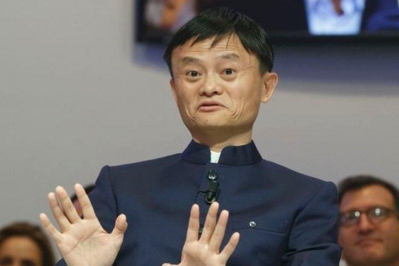 馬雲當了1季的中國首富,就因為阿里巴巴股價重挫而被中國地產大亨王健林超越,丟掉首富名號。(美聯社)