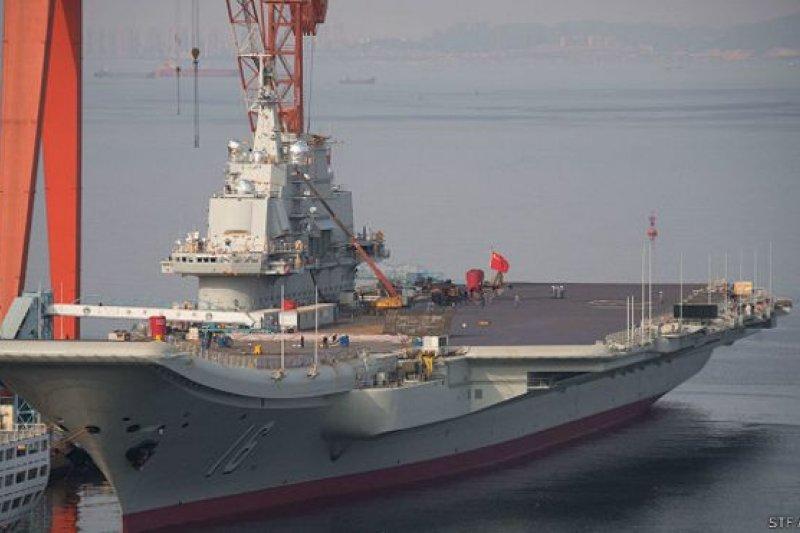 中國第一艘航空母艦「遼寧號」。(BBC中文網)