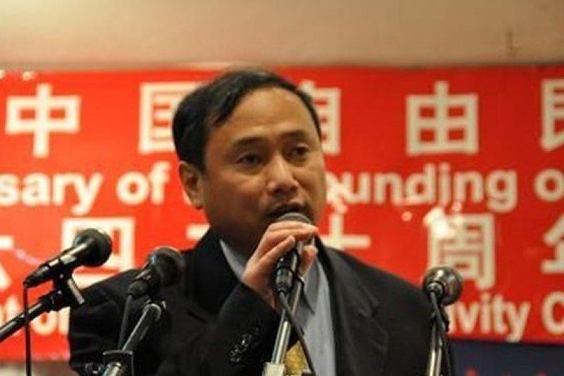 六四事件後,王軍濤被關押到1994年,以保外就醫名義直接送往美國,圖為王在紐約演講。(截取自視頻)