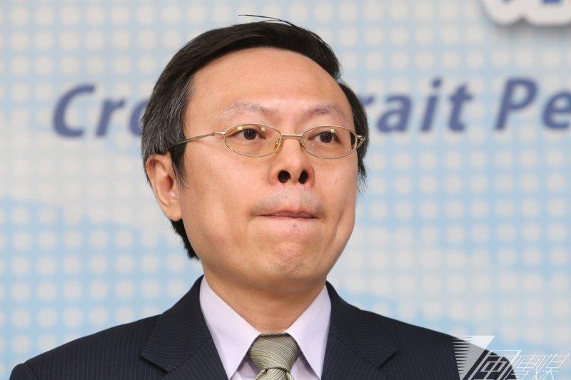 張顯耀不起訴,12點半陸委會記者會, 王郁琦請辭。(吳逸驊攝)