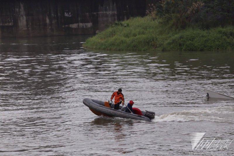 復興航空空難搜救工作進入第9天,終於找到所有失蹤者,陸客陳仁泰的遺體12日被尋獲。(資料照片,楊子磊攝)