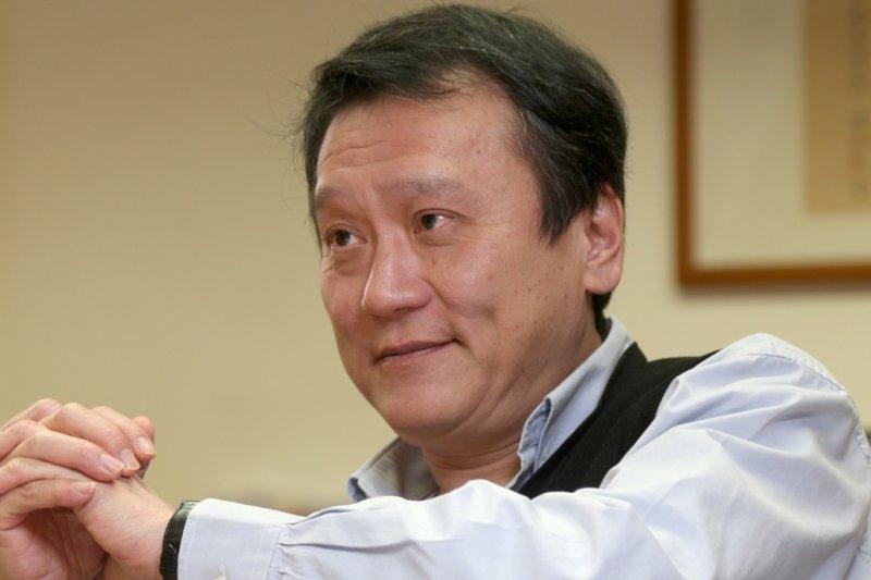 前國科會主委朱敬一出新書《找回台灣經濟正義與活力》談台灣經濟,日前接受《風傳媒》專訪。(吳逸驊攝)
