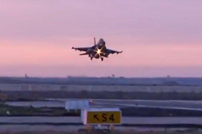 埃及戰機空襲利比亞恐怖組織(美聯社)