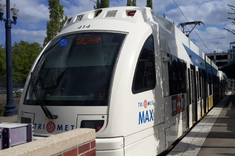 波特蘭輕軌電車設計的人性化,可以給準備興建輕軌的高雄市參考。(作者提供)