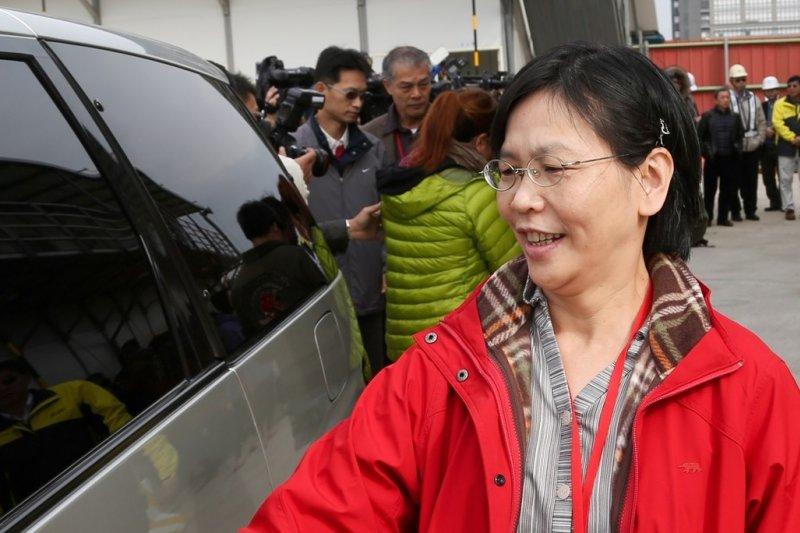 柯文哲因為愛滋器捐案遭公懲會懲處,台北市長辦公室主任蔡壁如勸慰柯文哲放下,因為「當一個人要勇敢時,是要付出代價的。」(資料照片,余志偉攝)