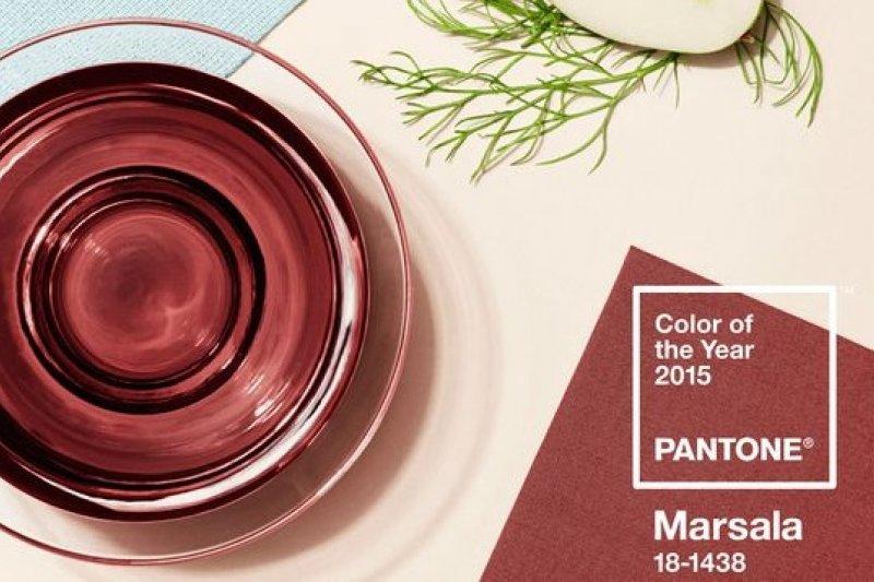 美國色彩權威機構彩通選出2015年度顏色為瑪薩拉葡萄酒色(取自彩通官方網站)