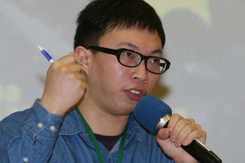 318運動即將屆滿一週年,因參與佔領行政院遭起訴的清大研究生魏揚表示,行政院事件象徵群眾企圖對的空間尋找破口。(吳逸驊攝)