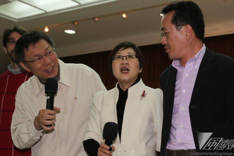 台北市議員徐佳青(中)在美一番演講,打爆民進黨茶壺內的風暴。(資料照/余志偉攝)