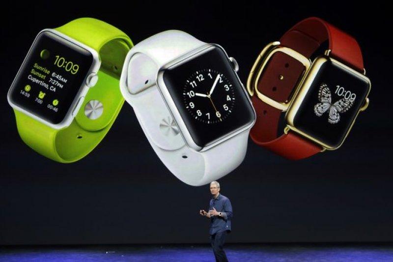 死忠的果粉,調查顯示有4成果粉有意願買蘋果手錶。(美聯社)