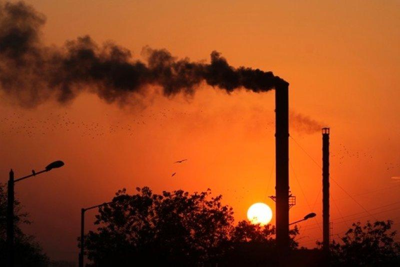 人類大量排放濫用氣體,會不會讓地球萬劫不復?(美聯社)