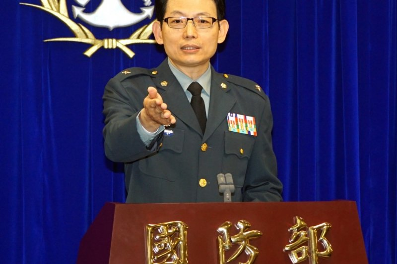 軍方人士指出,馬總統搭乘華航班機起飛後,在台灣防空識別區內,分別由空軍的幻象、IDF以及F16戰機提供空中戒護任務,其中更有E2K空中預警機在高空進行安全監控。(蘇仲泓攝)