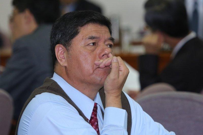 張慶忠25日在內政委員會上表示,「很榮幸被割闌尾」,但質疑「為什麼表現好的人都要被罷免呢?」(資料照,余志偉攝)