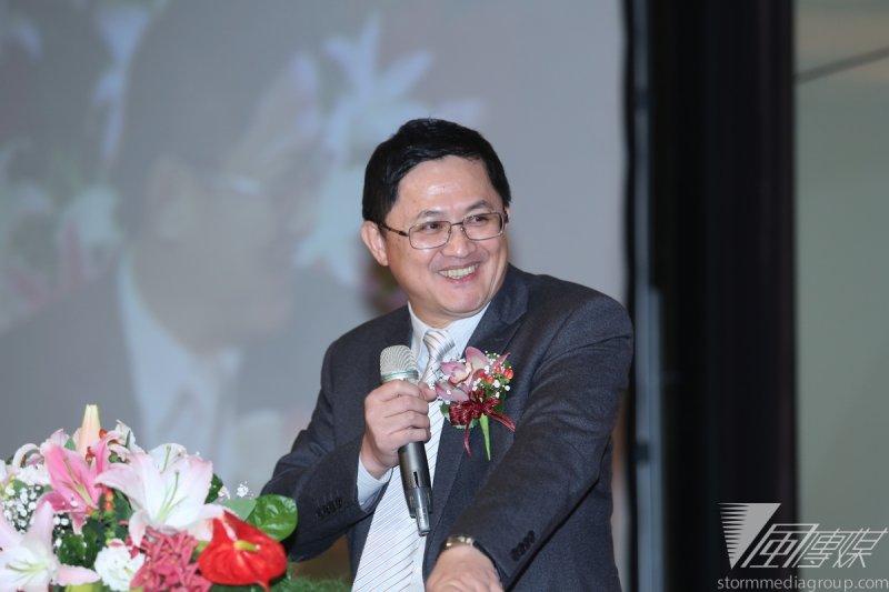 和碩董座童子賢25日表示,雖然台北市長柯文哲常說錯話,但他勇於打破過去「吃喝國家、同時把國家搞爛」的現象,仍值得鼓勵。