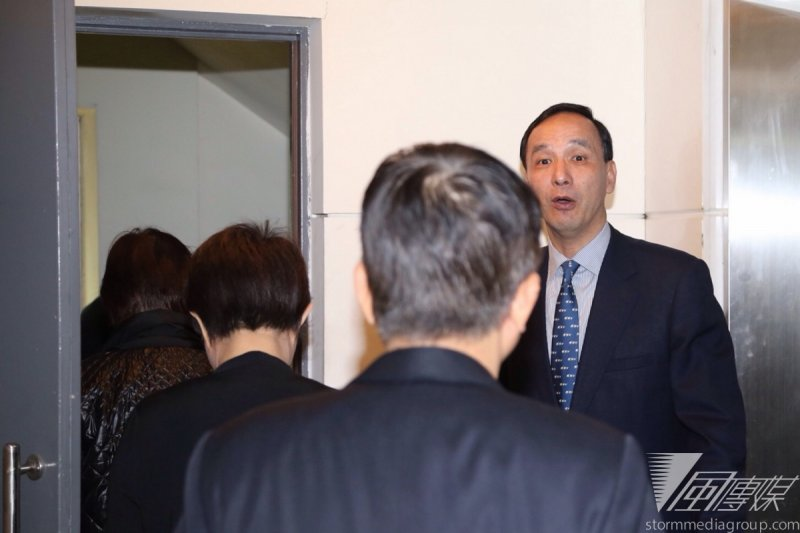 國民黨27日在智庫舉行黨團大會,由黨主席朱立倫親自坐鎮。(楊子磊攝)