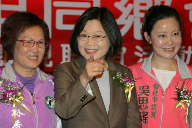 民進黨主席蔡英文29日出席六申同鄉會活動,否認有《台灣前途決議文2.0》。(葉信菉攝)
