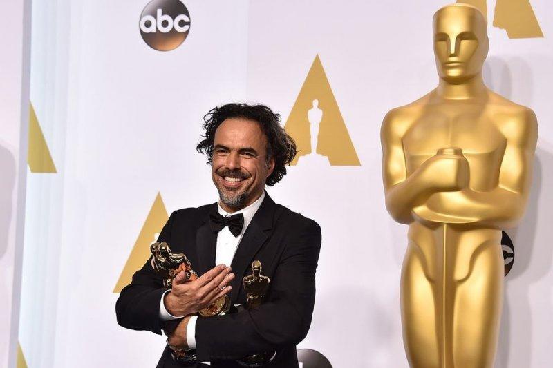 《鳥人》導演獲頒奧斯卡最佳影片、導演等獎時,不忘為墨西哥移民說話。(美聯社)