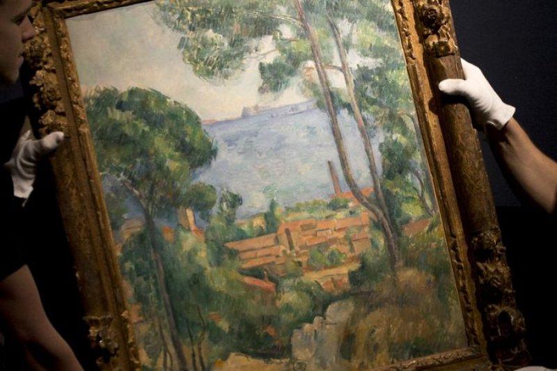 塞尚罕見畫作《從埃斯塔克山上遠眺伊夫古堡》