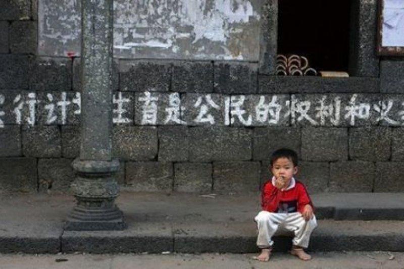 僵化的計劃生育政策,讓中國社會將邁入難以回頭的老齡化。