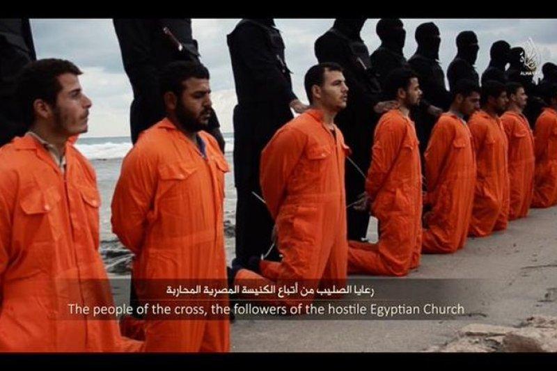 21名埃及科普特教徒慘遭斬首。(取自影片)
