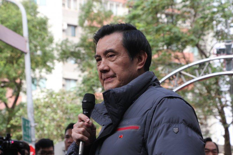 馬英九早起投票,在投票所外發表支持周子瑜(葉信菉攝)